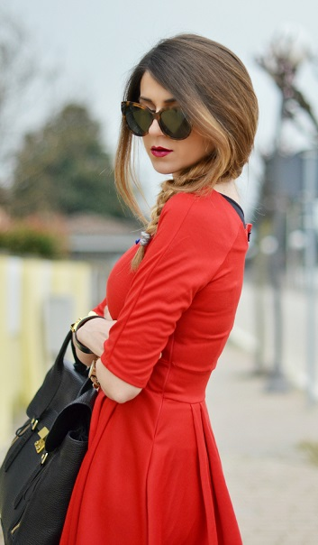 Discover Little Red Dress Online